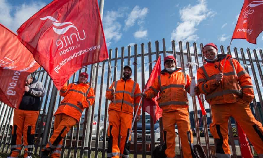 Thurrock bin workers strike