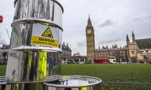 Greenpeace build a 10m high fracking rig outside Westminster