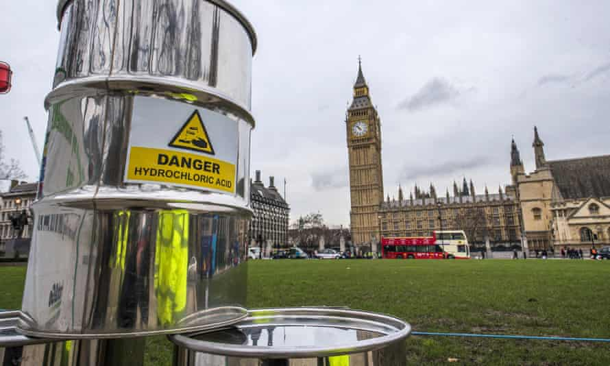 Greenpeace build a 10m high fracking rig outside Westminster, London