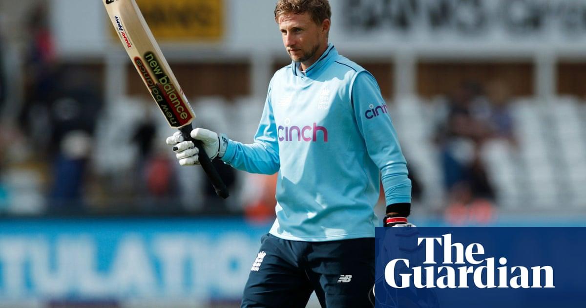 England coast to opening ODI win over Sri Lanka as Root and Woakes impress