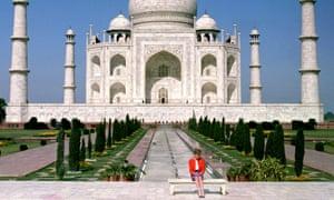 Princess of Wales in front of the Taj Mahal