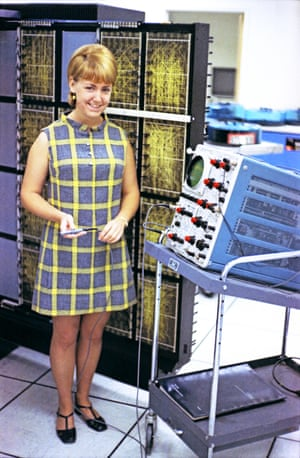 Computer operations supervisor Bea working at a mainframe