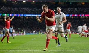 Dan Biggar celebrates Wales's victory.