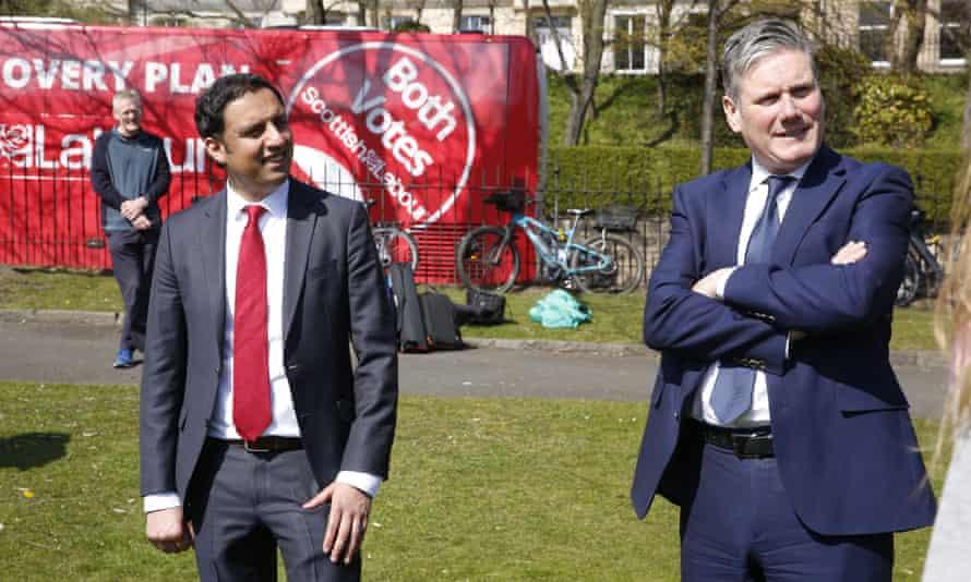 Scottish Labour leader Anas Sarwar with Keir Starmer in Edinburgh, 16 April 2021.