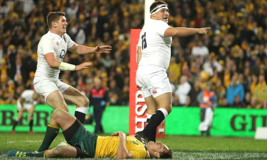Owen Farrell rushes to congratulate Jamie George