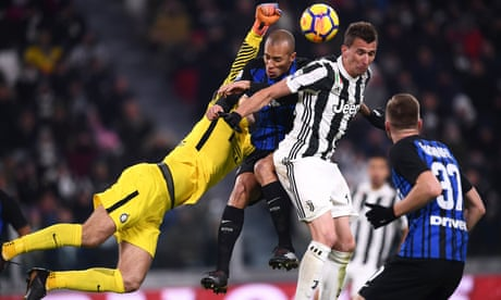 Internazionale hold Juventus to goalless draw and stay top of Serie A