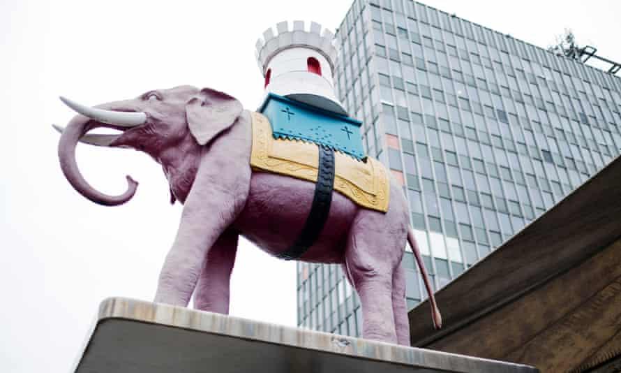Elephant statue outside shopping centre