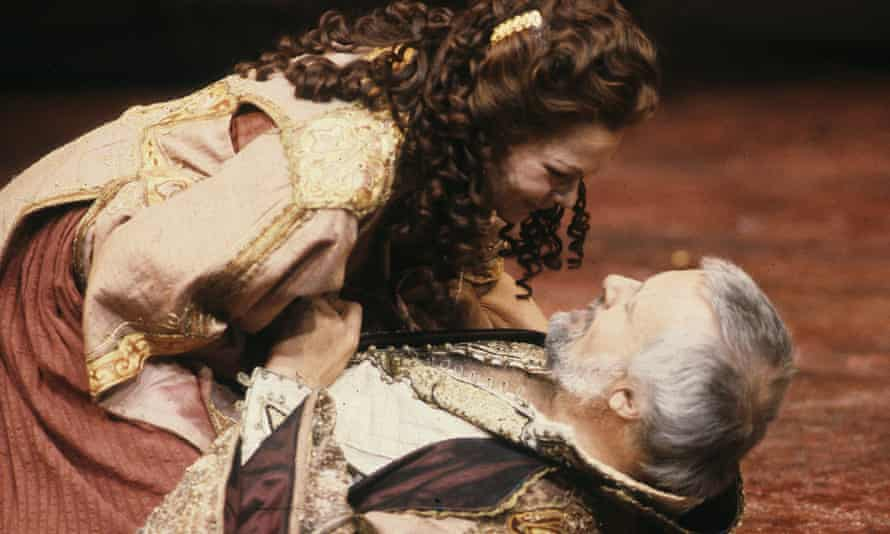 The National's 1987 production of Antony and Cleopatra, starring Judi Dench and Anthony Hopkins, also featured a live snake.
