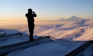 Jabaryan photographs Mount Ararat, 55 miles away in Turkey, at sunrise.