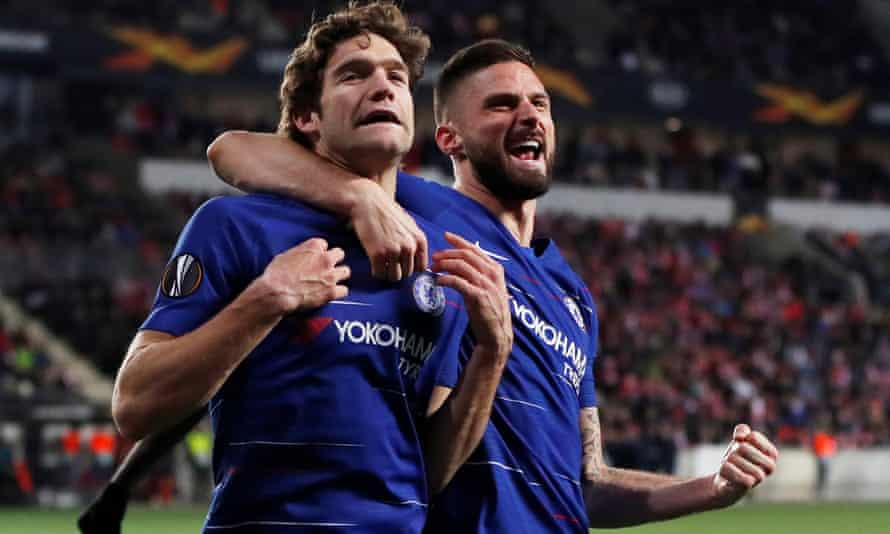 Chelsea's Marcos Alonso (left) celebrates his late goal with Olivier Giroud.