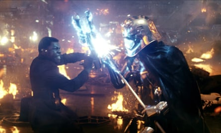 2017, STAR WARS: THE LAST JEDIJOHN BOYEGA & GWENDOLINE CHRISTIE Character(s): Finn, Captain Phasma Film 'STAR WARS: THE LAST JEDI' (2017) Directed By RIAN JOHNSON 09 December 2017 SAV85889 Allstar/LUCASFILM/WALT DISNEY PICTURES **WARNING** This Photograph is for editorial use only and is the copyright of LUCASFILM/WALT DISNEY PICTURES and/or the Photographer assigned by the Film or Production Company & can only be reproduced by publications in conjunction with the promotion of the above Film. A Mandatory Credit To LUCASFILM/WALT DISNEY PICTURES is required. The Photographer should also be credited when known. No commercial use can be granted without written authority from the Film Company.