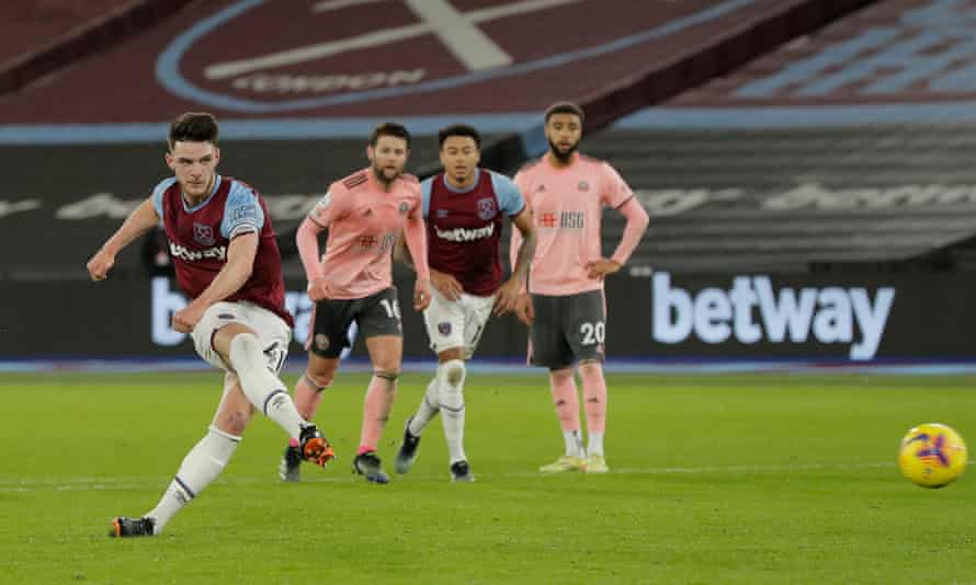 Declan Rice converts his penalty to give West Ham the lead