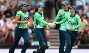 Oval Invincibles' Sarah Bryce (centre) celebrates the wicket of Birmingham Phoenix's Gwenan Davies