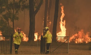 NSW Rural Fire Service crews work on a blaze near the town of Tahmoor
