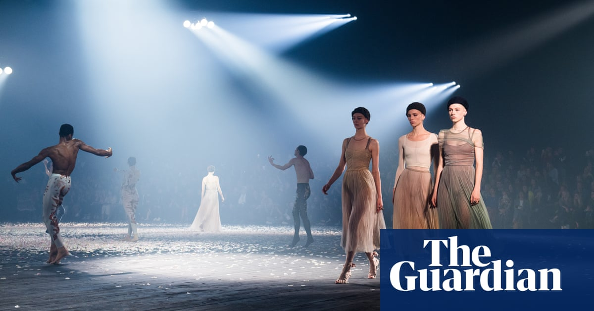 Dior dancers forgo the ballet in move toward unres...