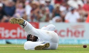 Sri Lanka's Kusal Mendis drops a catch off England's Ben Foakes.