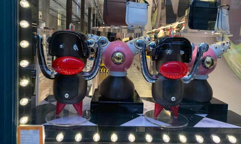 Prada pulls figurines that resembled blackface from New York store (theguardian.com)