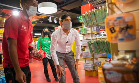 Rishi Sunak visits Hamleys toy shop in London