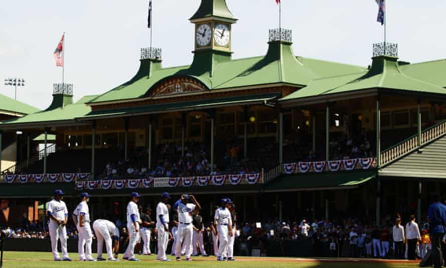 The Dodgers played the Diamondbacks at Sydney Cricket Ground in March 2014.