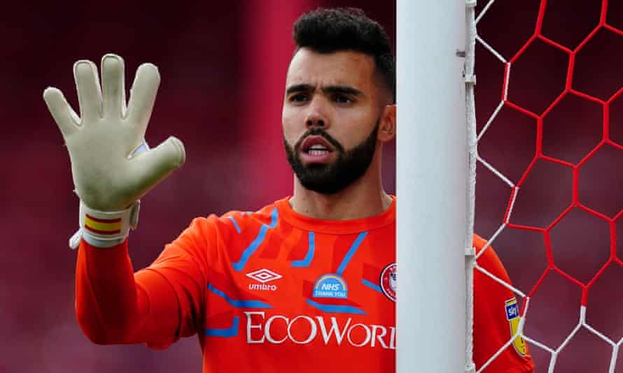 The Brentford goalkeeper David Raya has attracted multiple bids from Arsenal but the Championship club do not want to sell him in this transfer window.