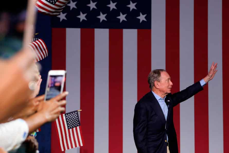 Democratic presidential hopeful former New York mayor Mike Bloomberg waves during a rally at Palm Beach County Convention Center in West Palm Beach, Florida, on Super Tuesday, March 3, 2020.
