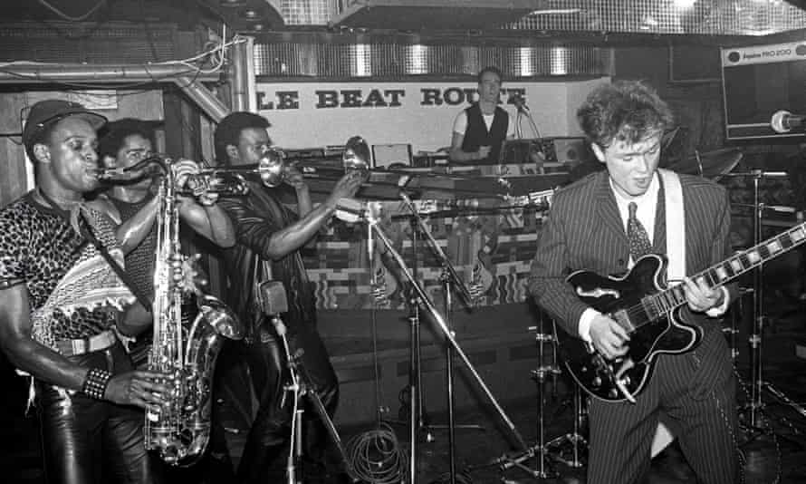 Spandau Ballet's Gary Kemp performing Chant No 1 …with Beggar and co in July 1981.