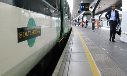 Hundreds of thousands of rail passengers face a week of travel chaos because of a five-day strike in an escalating dispute.