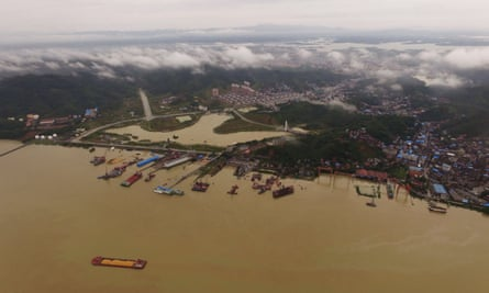 The intersection of Poyang Lake and the Yangtze River in Hukou County,.
