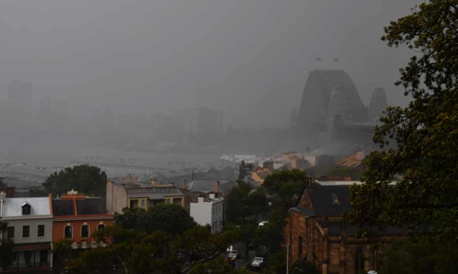 An electrical storm hits Sydney.