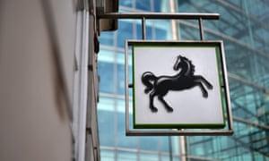 A Lloyds bank sign