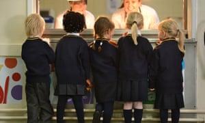 school dinner queue