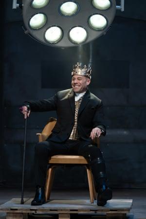 Matthew Rauch as Richard III.
