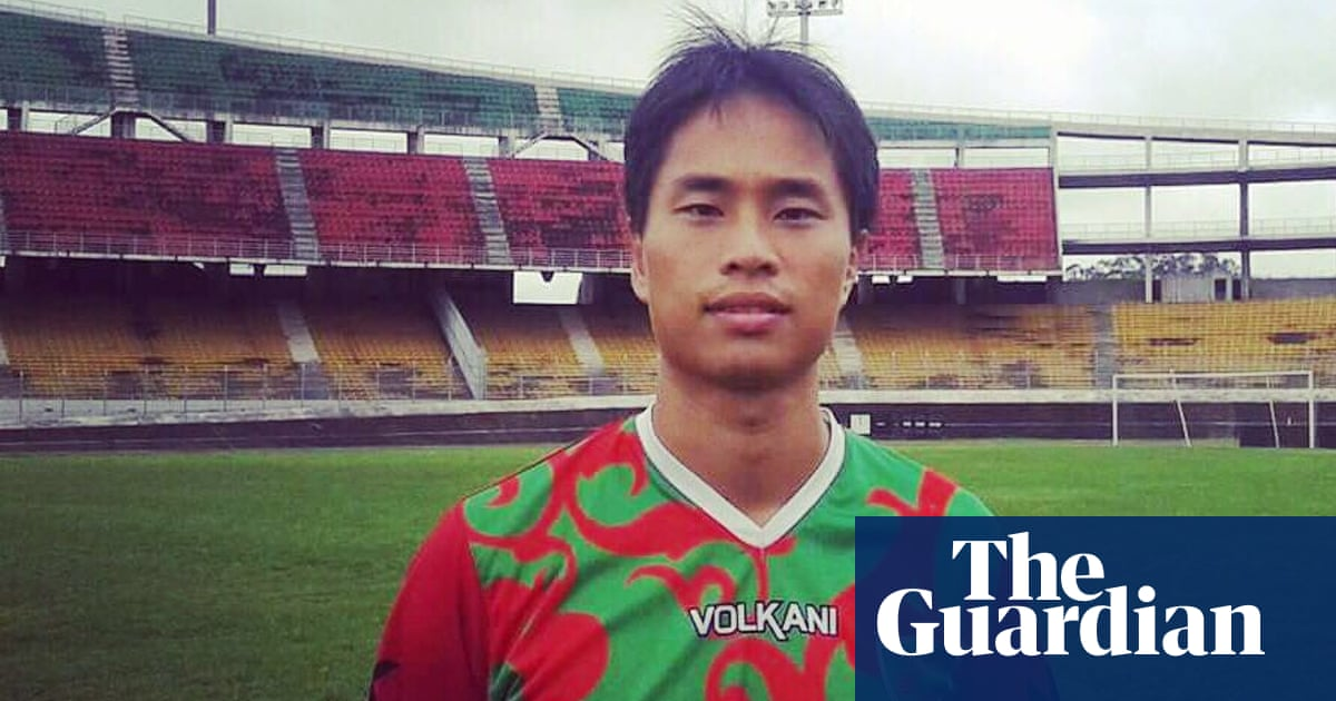 Footballers living on the breadline: low wages, short