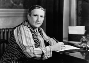 Gertrude Stein c1936: Her Roastbeef 'asks to be read aloud at Sunday lunch'