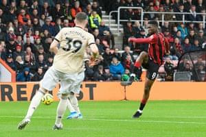 Bournemouth's Jefferson Lerma shoots at goal.