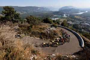 The leader's group climb the Grand Colombier.