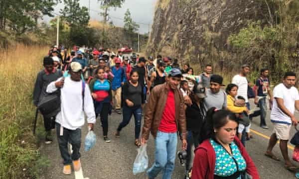 Hundreds of Central American migrants have continued their march towards the United States, crossing from Honduras into Guatemala.