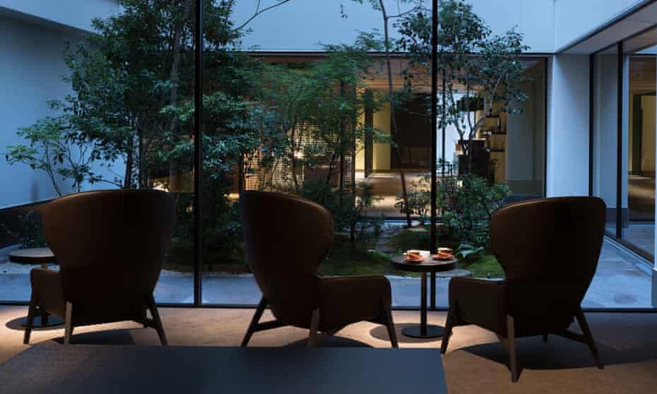 Fuya II lounge at Enso Ango, which has a tearoom and tatami mat salon.