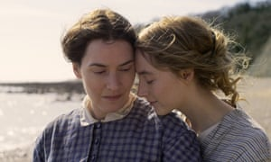 Ket Winslet and Saoirse Ronan in Ammonite.