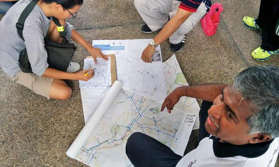 Lim develops the map with volunteers, including members of the Urban Transportation department at Kuala Lumpur City Council.