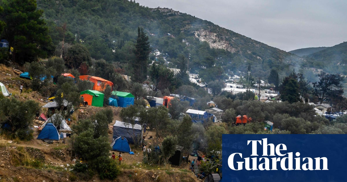 Greece to replace island refugee camps with 'detention centres'