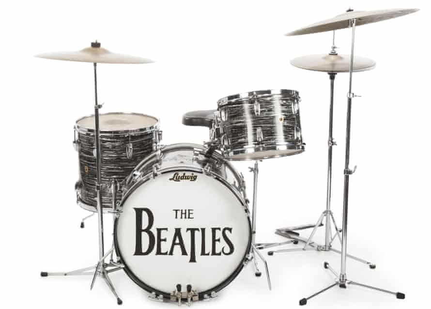 A drum kit that Ringo Starr used to record some of the Beatles' early hits, sold for $2.2m at auction to Indianapolis Colts owner Jim Irsay.