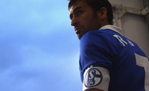 Raul wears the captain's armband at Schalke in 2012.