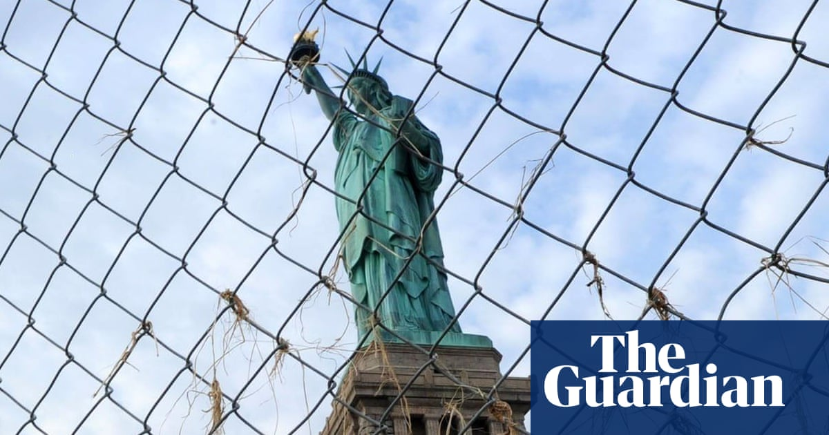 zum halben Preis Rabatt bis zu 60% ziemlich billig US once locked up white Australian immigrants in 'horror ...