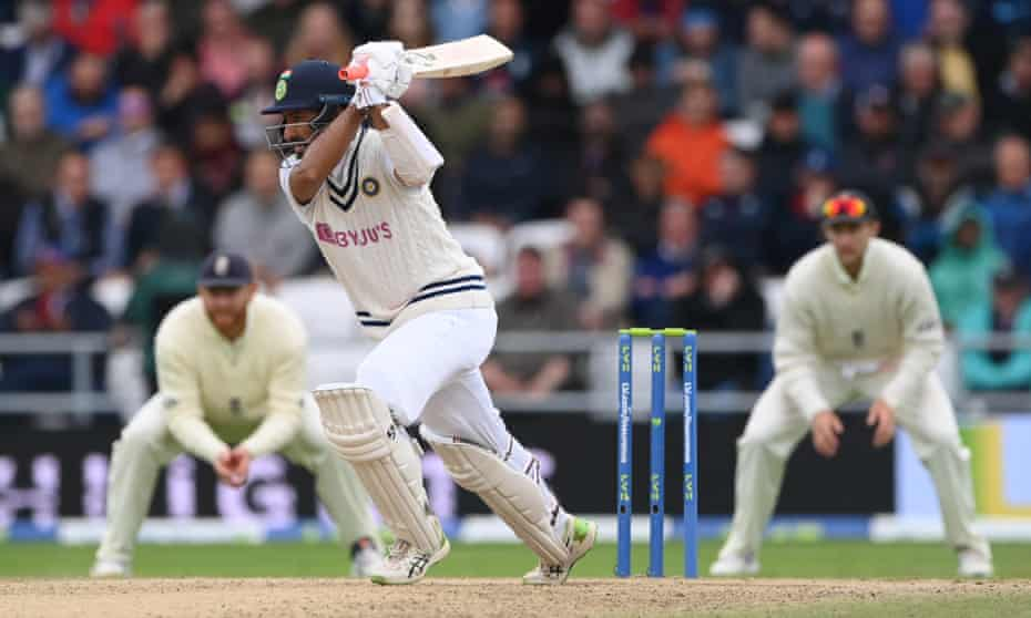 Cheteshwar Pujara hits out on his way to an unbeaten 91 as India fought back hard in the third Test.