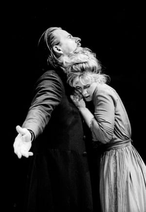 Trevor Eve (Astrov) and Imogen Stubbs (Yelena) in Uncle Vanya, 1996