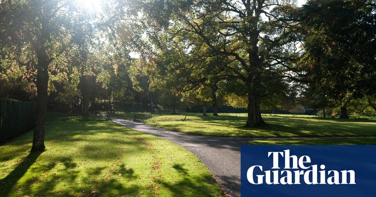 Saudi prince sells Cotswolds estate to king of Bahrain for £120m