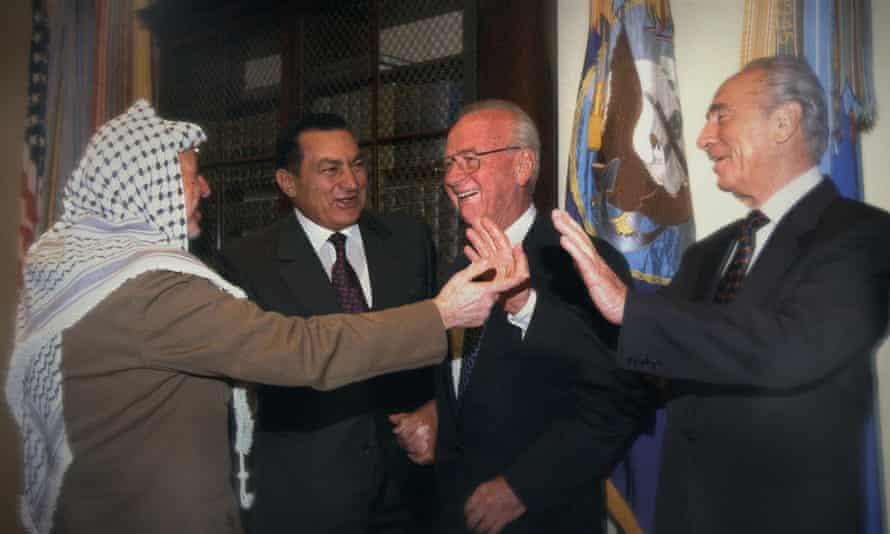 (L-r) Yasser Arafat, Hosni Mubarak, Yitzhak Rabin and Shimon Peres in The Human Factor.