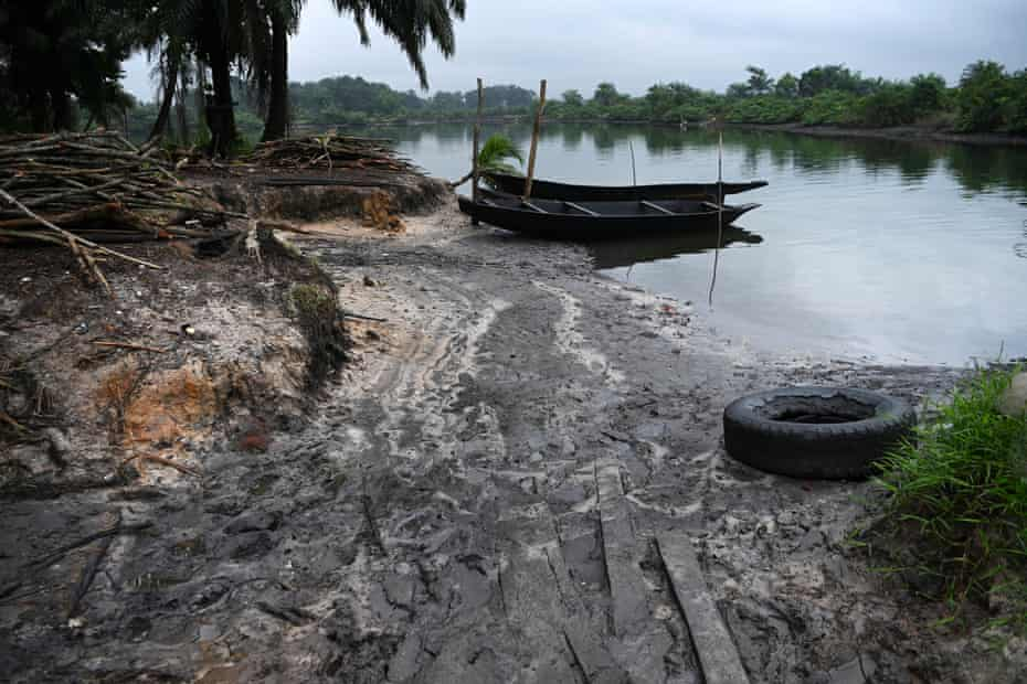 The Bomu manifold oil spill