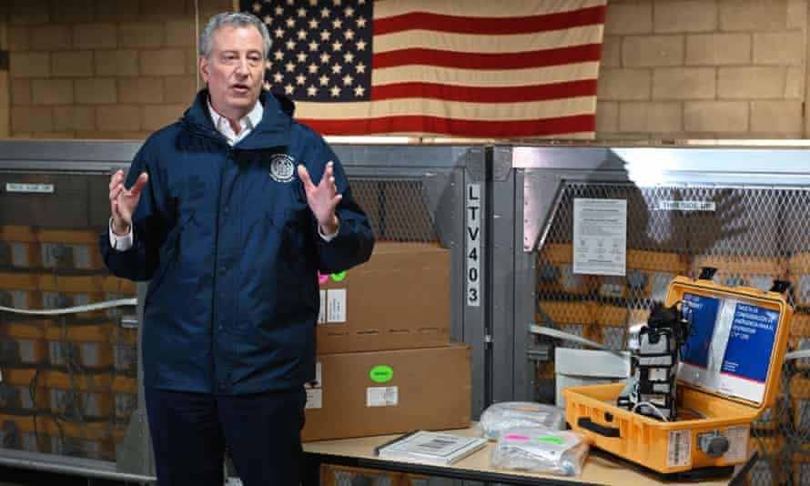 Bill de Blasio visits the New York City emergency management warehouse on 24 March 2020.